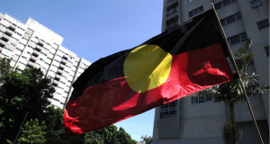 Indigenous Australian flag. Photo by Kate Ausburn. License: https://creativecommons.org/licenses/by/2.0/