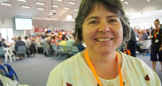 Rev Heather den Houting at the 32nd Synod. Photo by Holly Jewell.