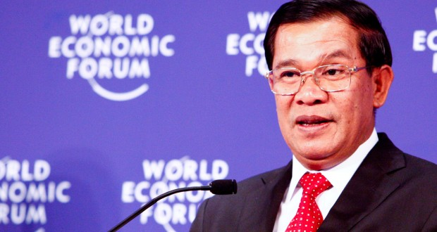 Prime Minister of Cambodia, Hun Sen has reached a resettlement deal with the Australian government and is addressing the media. Photo by World Economic Forum.