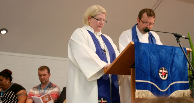 Rev Suzie Castle and Rev Andrew Gunton at the celebration of ministry at 31st Synod
