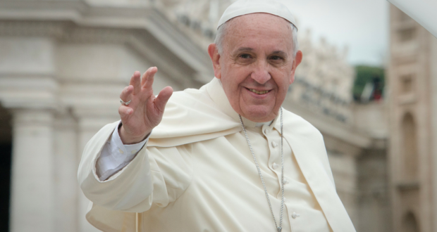 Pope Francis waving to a crowd. Photo by Aleteia Image Department.