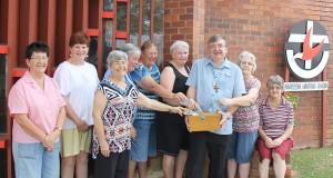 Rev Peter Blauw with members of Mareeba Uniting Church