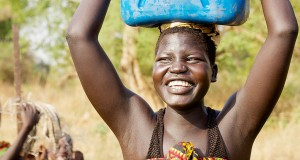 Kama and her daughter collect water from a water point in Akula community in Gambella, Ethiopia, that is hosting over 1600 refugees of the Bruer ethnic group from South Sudan.