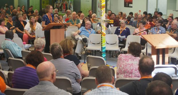 Rev Linda Hanson addresses her concerns regarding the 2016–2020 priority directions to the 32nd Synod. Photo by Mardi Lumsden.