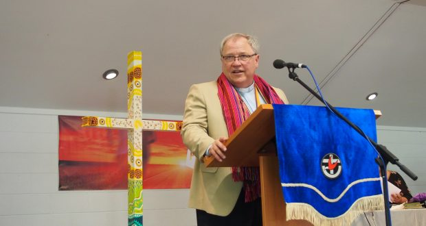 Moderator Rev David Baker addresses members. Photo: Holly Jewell